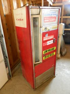 Vintage Vendo H90A Coke Machine Coca Cola Soda Pop Machine