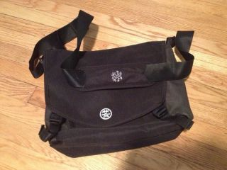 Crumpler Moderate Embarrassment Laptop Messenger Bag Black Green