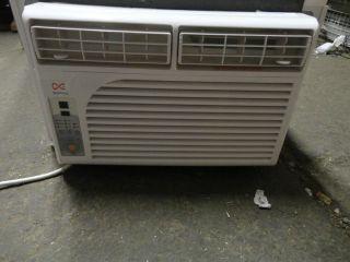 Daewoo DWC F0520RLE 5 300 BTU thru Window Air Conditioner