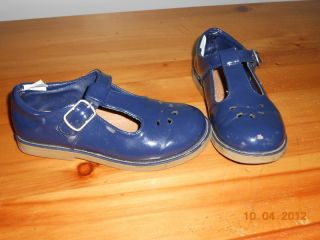 GYMBOREE MARY JANES GIRLS SIZE 12 CLASSROOM KITTY NAVY BLUE BUCKLE TOO