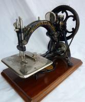 Vintage Willcox & Gibbs Sewing Machine + Case Antique £nr