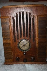 Zenith Radio Model 808 Tombstone Long Distance Radio Wood Old Tube not