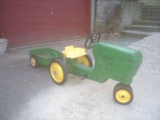 John Deere Pedal Tractor Model 520