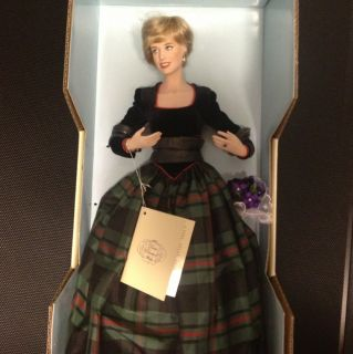 Diana Porcelain Doll Franklin Mint Princess of Charm Doll