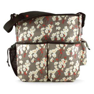 features of skip hop duo deluxe diaper bag cherry bloom hangs neatly