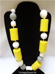 Vintage Huge Chunky Dramatic Yellow White Lucite Bead Runway Necklace
