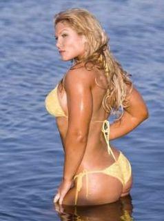 2012 Topps WWE Divas Beth Phoenix Authentic Kiss Card Firebird Tough