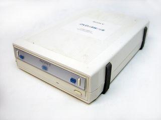 DRX 530UL i.LINK/USB2.0 DVD/CD External ReWritable Drive DVD±RW/±R