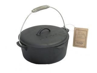 Pre Seasoned Cast Iron 4 5 Quart Flat Bottom Dutch Oven