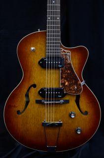 Kingpin II P90 Cutaway Archtop Electric Guitar w Tric Case