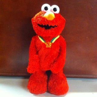 Special Edition Tickle Me Elmo Talking Dancing Interactive Toy