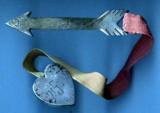 Valentine arrow & heart brooch in sterling silver undated Valentines