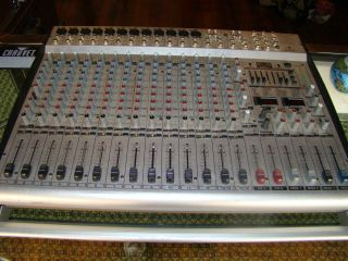 Behringer Europower PMH 5000 Powered Mixer 16 Channel *Needs Some Work