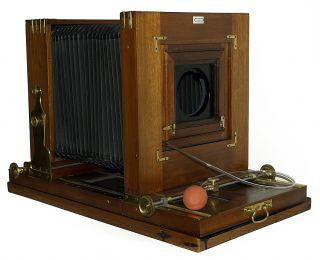 Wooden Camera Marke Engel Feitknecht 30x30 cm