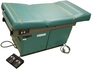 Ritter 105 Medical OBGYN Hospital Patient Exam Table Hydraulic Power