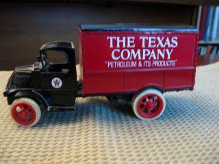 Ertl Texaco 6 1925 Mack Bulldog Truck Bank