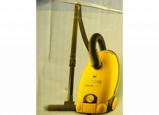 260~ EKA Maxima Canister Vacuum:Multi surface Cleaning: 972