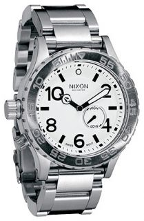 Nixon he 4220 ide Wach in Whie Concree