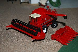 64 International IH 1460 Combine Custom Scratch Farm Toy