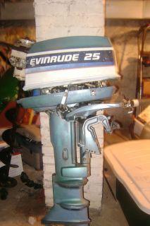 Evinrude 25 Horsepower Outboard Motor Boat Motor