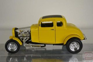 Ertl American Graffiti 1932 Ford Deuce Coupe 1/18 Diecast Model Car