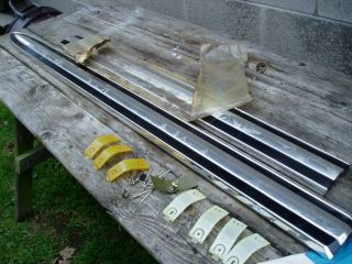 1971 1972 FORD TRUCK RANGER FENDER MOULDING WITH ATTACHING PARTS NOS