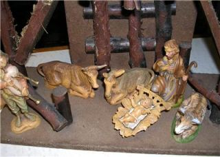 VINTAGE FONTANINI 13 PIECE NATIVITY SET INCLUDING CATHEDRAL STABLE