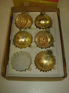 GREAT FIND Vintage 5 Glass white gold starburst bulb Christmas