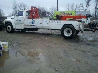 1989 Ford F700 Wrecker Truck Medium Duty