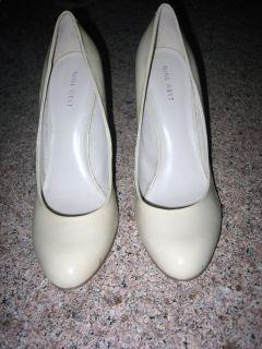 Classic Nine West Cream Patent Leather Pump Shoes Sz 9 B