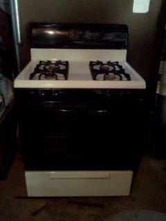 Frigidaire 4 Burner Gas Stove with Gas Oven
