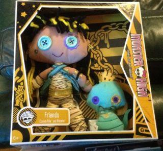 New Monster High Plush Doll Set Cleo de Nile Pet Hissette Fantastic