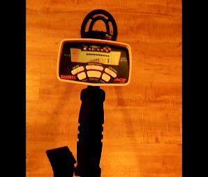 GARRETT ACE 250 METAL DETECTOR W/ 6x9 ELLIPTICAL SEARCH COIL