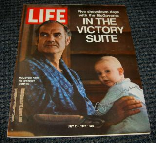 George McGovern Auto Signed Life Magazine July 21 1972