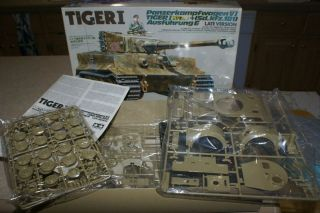 Tamiya TIGER1 SD KFZ181 1 35th Scale Model Tank Kit