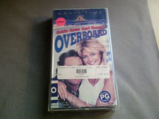 Overboard starring Kurt Russell Goldie Hawn 027616609137