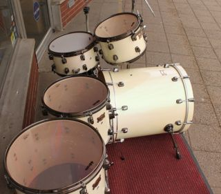 Ddrum Dominion Maple Pocket 5 Piece Drum Set in Snow Sparkle Finish w