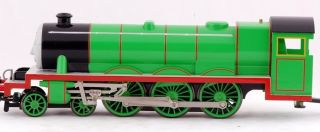 HO Scale Train Thomas Friends Henry The Green Engine 58745
