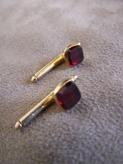 Hickok Mens Vintage Gold Tone Ruby Red Square Bar Cuff Links Cufflinks