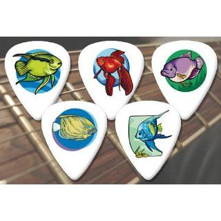 Fish Premium Guitar Picks x 5 Medium: Musical Instruments