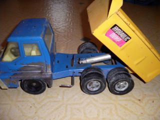 Vintage Ertl Hydraulic Dump Truck
