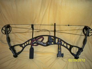 Hoyt Alphamax 32 Bow w Fuse 5 Pin Sight