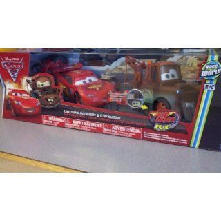 Hogs R/C 124 MOVING EYES Set Lightning McQueen Tow Mater Toys & Games
