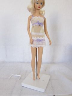 Jason Wu White Fashion Royalty Plastic Doll Stand Mint for Barbie