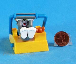 Tom and Jerry Cartoon Mouse Cat Diorama Toy Model w Movable Funny