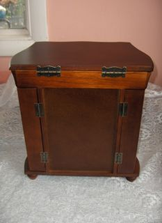 Pre Owned Walnut Wood 4 Drawer 2 Door Mirror Jewelry Box Mint