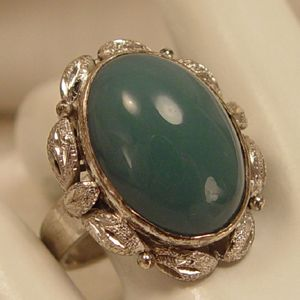 Vintage Natural Jade Solitaire 18kt White Gold Ring