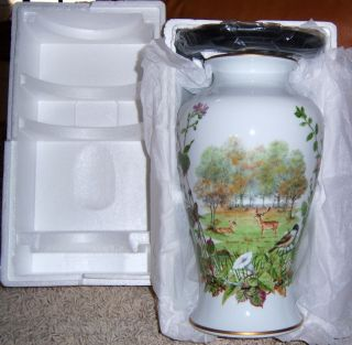 Franklin Mint Autumn Glen Vase Le 1982 Peter Barrett New in Box COA