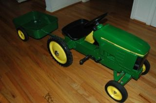 John Deere Pedal Car w Trailer Cast Iron 7410 Great Gift Idea for Your