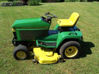 John Deere 425 Lawn and Garden Tractor 54 Mower Deck